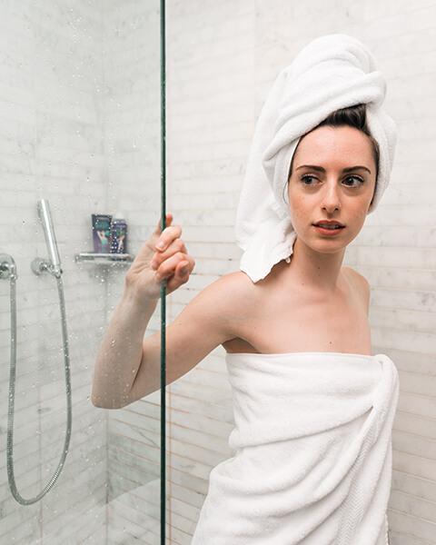 Najlepsza pozycja do seksu pod prysznicem